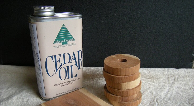 How to Kill Mosquitoes: Cedar Oil